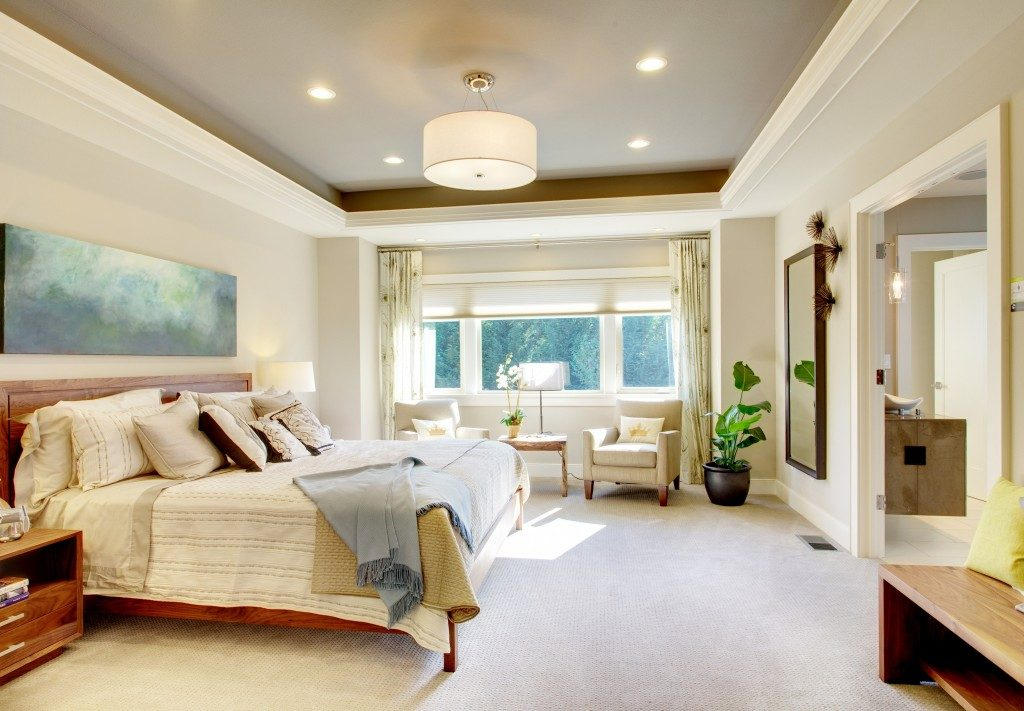 spacious modern designed bedroom
